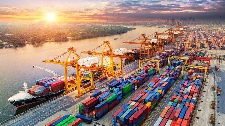 ۹۰ درصد کالاهای وارداتی ایران مواد اولیه و واسطهای تولید است