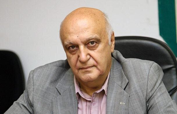 نیکواقبال:همتی نشان داده دستیار روحانی است تا رییس کل مستقلی برای بانک مرکزی!