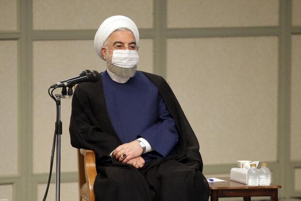 روحانی: شاهد احیای اقتصاد کشور هستیم