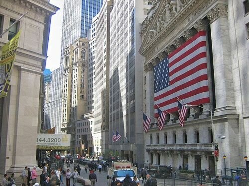 آب سرد بانک مرکزی آمریکا روی وال استریت! / روند صعودی در نفت جهانی