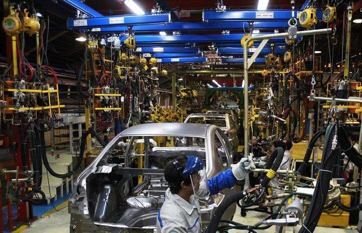خطر توقف شرکتهای خودروساز در سال ۱۴۰۰ وجود دارد/خودروسازها به ازای هر خودرو  ۵۰ میلیون تومان سودبانکی می پردازند