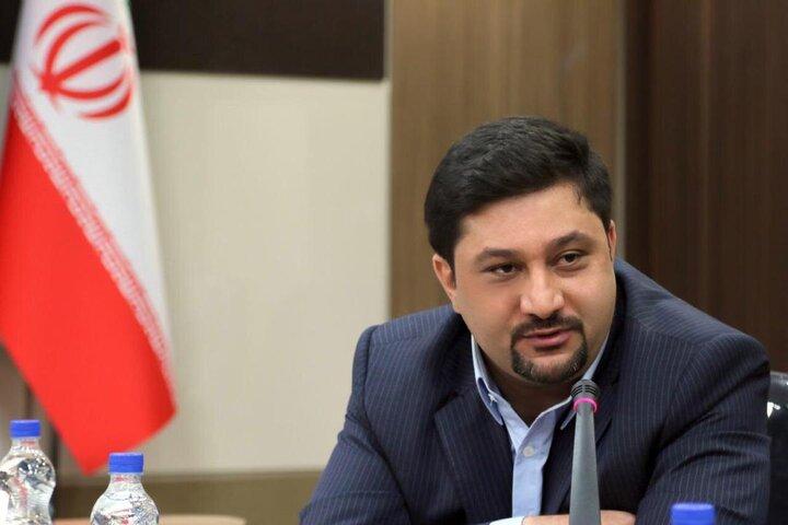 متهم اصلی نابسامانی در بازار نهاده های دامی بانک مرکزی است/ وزارت خانه های صمت و جهاد با بوروکراسی پیچیده اداری عرصه را بر بازرگانان این بخش تنگ کردند