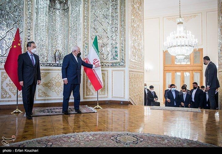 وال استریت ژورنال: توافق ایران-چین فشارهای آمریکا را به چالش میکشد