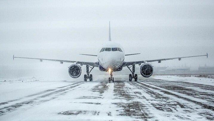 تِیکآف هواپیما در دمای ۳۵ درجه زیر صفر + ویدیو