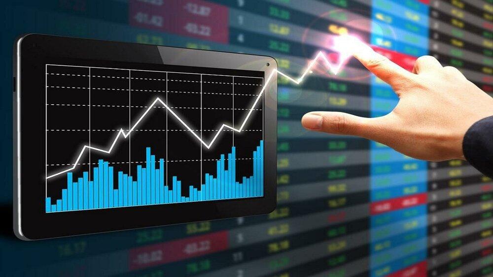 همراه با تغییر دولت، شاخص کل بورس به بالای یک میلیون و ۴۰۰ هزار واحد رسید/قیمت دلار و نرخهای جهانی کامودیتی ها به کمک بازار سرمایه آمدند