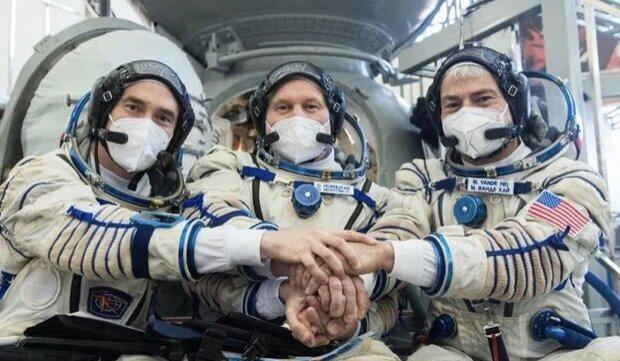 ٣ فضانورد ٣ ساعته به ایستگاه فضایی رسیدند + ویدیو