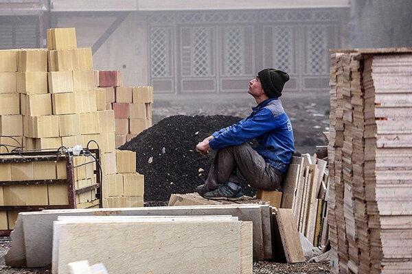 ویـــروس نــــاعـــادل؛فقــرا فقـــیرتر شدند/بیش از ۲ میــلیون کــارگــر فصلی در ایران بر اثر کرونا بیکار شده اند/نظام بوروکراتیک هیچ حمایتی از کارگران فصلی بیکار نمی کند!
