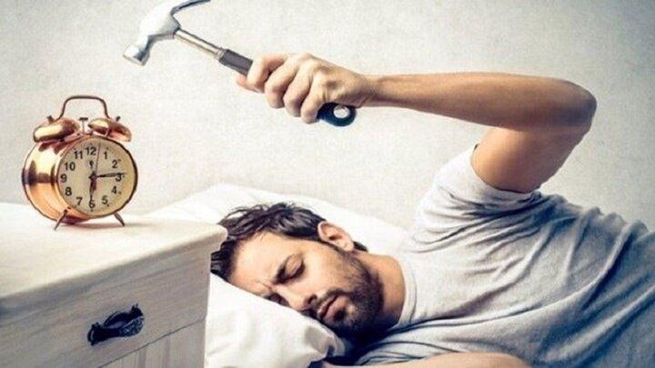 چرا صبحها احساس خستگی میکنیم؟