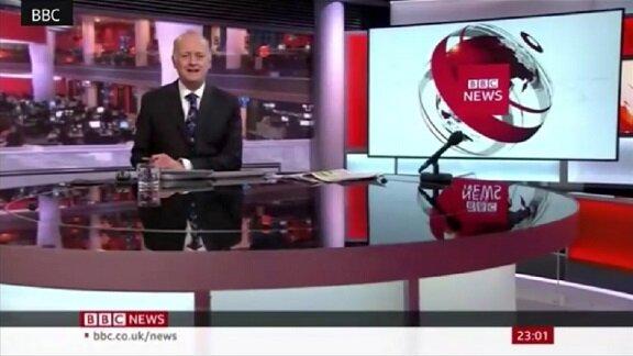 ویدیوی جنجالی گوینده خبر بیبیسی، مجری اخبار را با شلوارک اجرا کرد