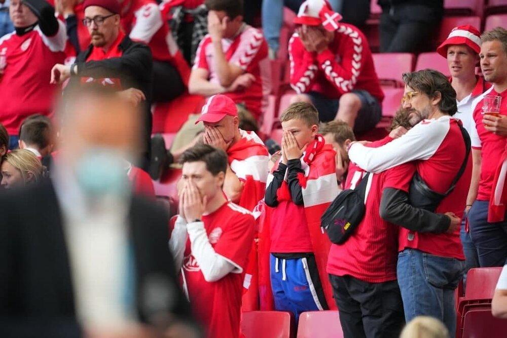 اتفاق وحشتناک در مسابقات یورو ۲۰۲۰/بازیکن تیم ملی فوتبال دانمارک بیهوش شد + ویدیو و عکس