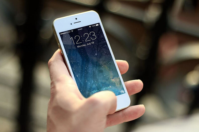 چرا تلفن همراه گران شد؟