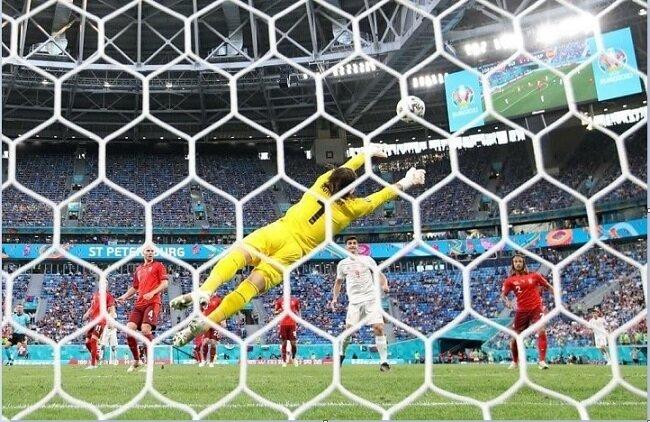 سوئیس ۱ (۱)- اسپانیا ۱ (۳)؛ معجزه زومر تکمیل نشد