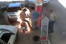 آتش سوزی هولناک در یک پمپ بنزین در خوزستان+فیلم