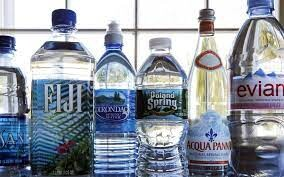 آب معدنیهای موجود در بازار آب شرب است /پالم فقط در پنیر پیتزا و روکش بستنی وجود دارد