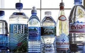 ویدئو | آب معدنیِ لاکچریِ تاریخ مصرف گذشته ۲۸۰ هزار تومان! | آب آشامیدنی فرانسوی را جای آب معدنی میخرند
