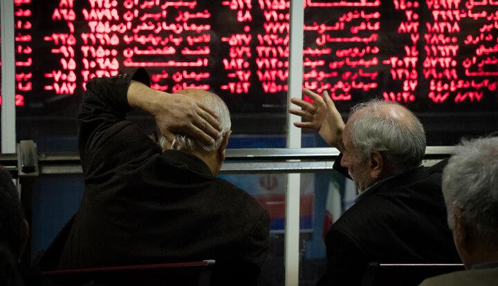 روند معاملات بورس در نیمه دوم سال ۱۴۰۰ بهتر می شود