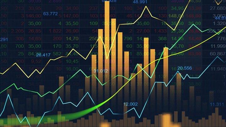 تخلیه پول از بازار سرمایه/بازار بورس قربانی دلاریزه شدن سهم ها و کسری بودجه عمیق دولت/بورس خلاف جهت بازارهای جهانی حرکت میکند