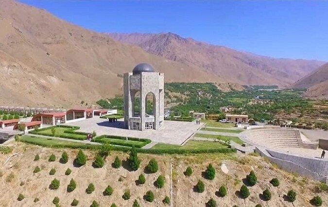 ویدیو | حضور طالبان در مقبره احمد شاه مسعود در پنجشیر