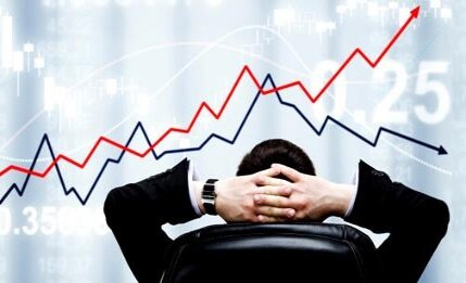 نقـــــــــطه کـــــور فـــــــوبیـــــــای ارزی بــــورسبــــازان کجاست؟ / چهار گشـــــایش در انتظار شرکتها / چـــرا تا این حد تمایل به فروش سهام در بازار سرمایه افزایش پیدا کرده است؟