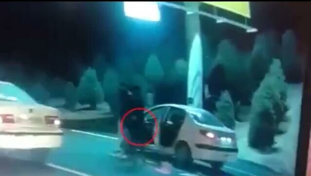 فرار سارقان مسلح در تعقیب و گریز خیابانی/ مجرمان در حین فرار، پژو ۲۰۷ یک شهروند را به زور گرفتند