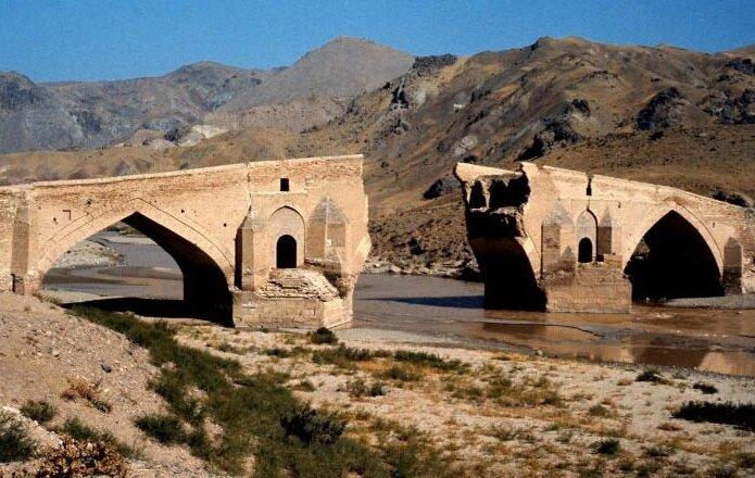 ویدئو / داستانِ پلِ ساسانی که تخریباش تاریخساز شد