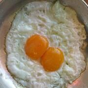 جدال تخم مرغ و کره بر سر قیمت؛ نیمرو هم گران شد!