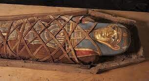 ببینید   ویدئویی شگفت انگیز از لحظه باز کردن یک تابوت ۲۵۰۰ ساله در مصر