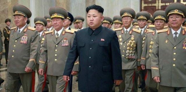 ویدئو   رزمایش بالیوودی در حضور رهبر کره شمالی !